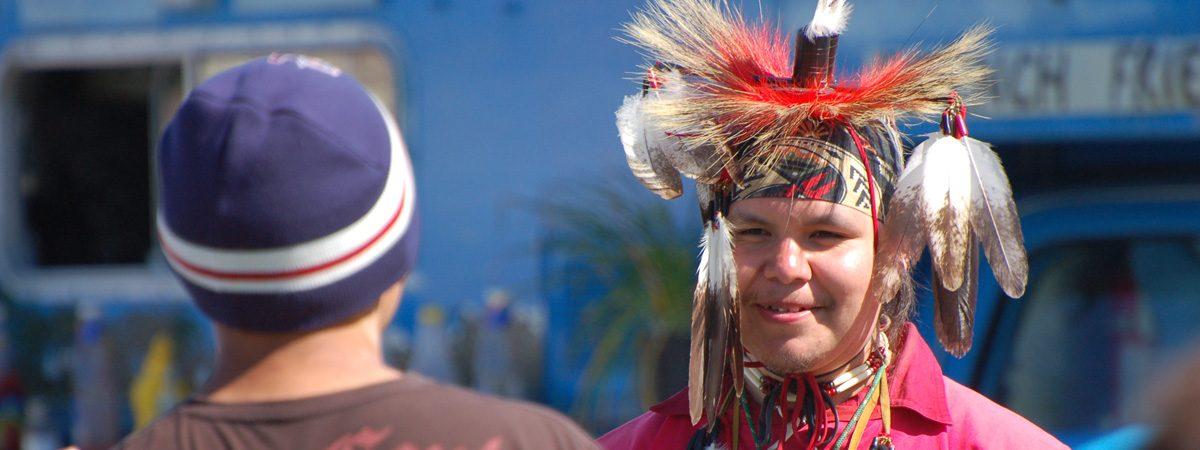 Sandra de Vries: Begegnung mit Indianer